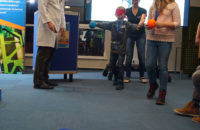 Durch verschiedene Spiele lernen die Kinder wie ein Roboter denkt und funktioniert